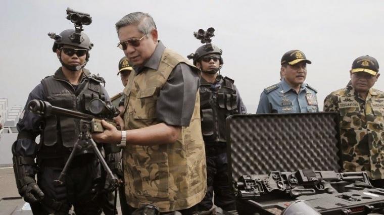 Cetak Tangan SBY Perkuat TNI