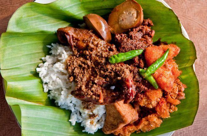 Kuliner Khas Banget dari Yogya yang Rugi Dilewatkan Selama Wisata
