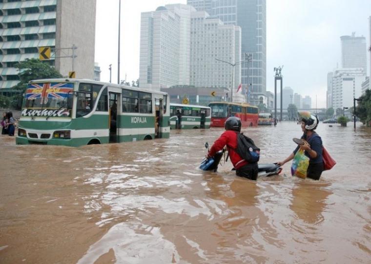 Janji Kampanye Anies Baswedan, Sandera Normalisasi Sungai, DPRD Semprot Gubernur DKI Jakarta
