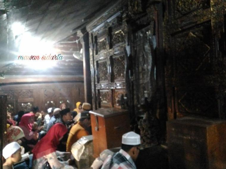 Penasaran dengan Makam Tak Bernama dan Sejarah Singkat Sunan Giri