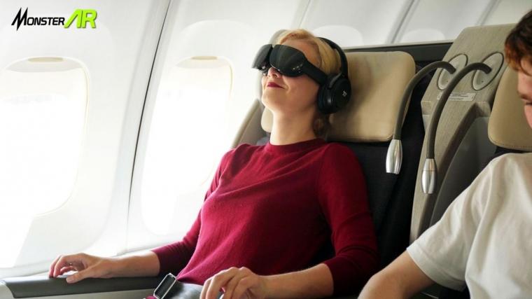 Nikmati Penerbanganmu dengan Hiburan Virtual Reality di Dalam Pesawat