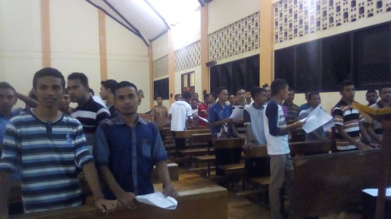 Fratres Keuskupan Atambua Latihan Lagu Persiapan Hari Minggu