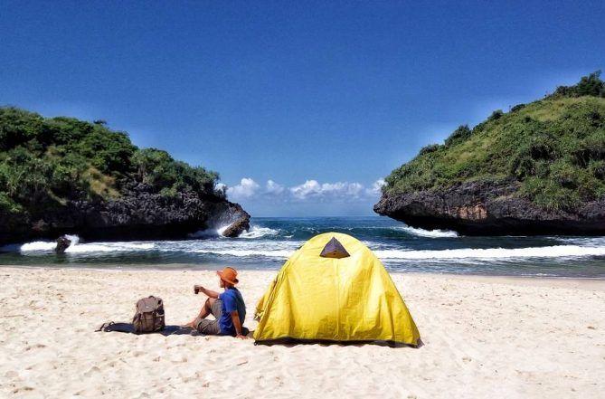 7 Tips yang Harus Diperhatikan Sebelum Camping di Pantai