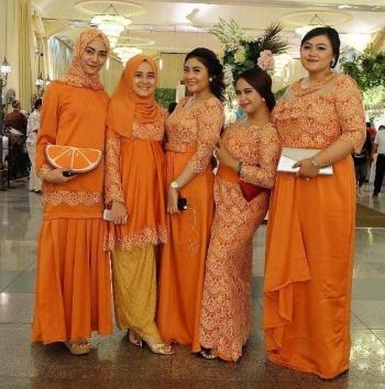 Ide Model Gamis Brokat Untuk Wanita Gemuk Oleh Bagas Kurniap Halaman