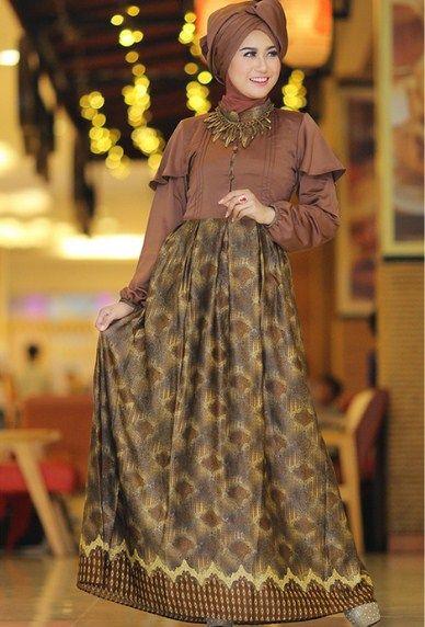 Inspirasi Model Batik Pesta Dress Panjang yang Buat Penampilanmu Makin Mempesona