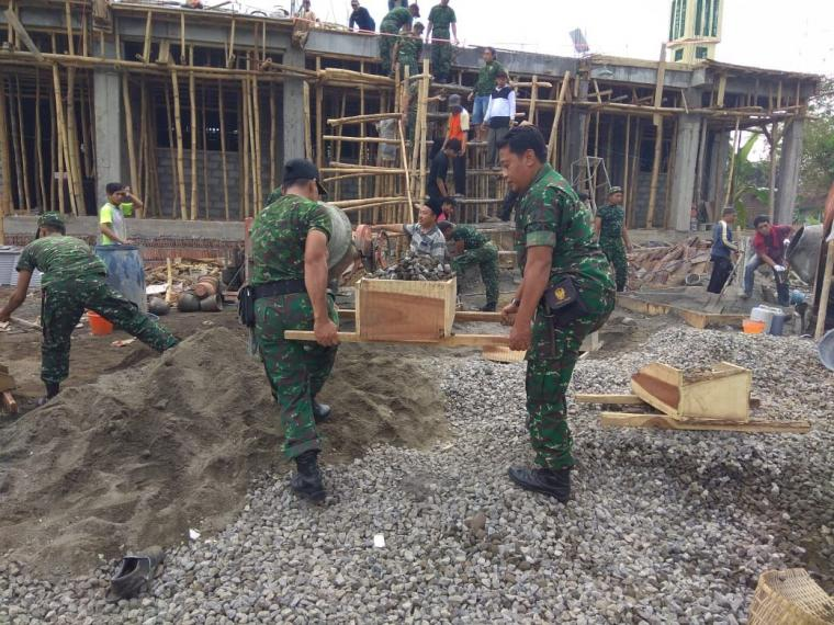 TNI Bantu Pembangunan Pondok Pesantren