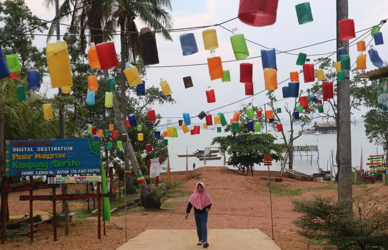 Mendadak Narsis di Pasar Mangrove Kampung Terih Batam