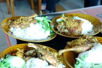 Menikmati Sensasi Sepiring Nasi Bebek Sinjay Di Bangkalan
