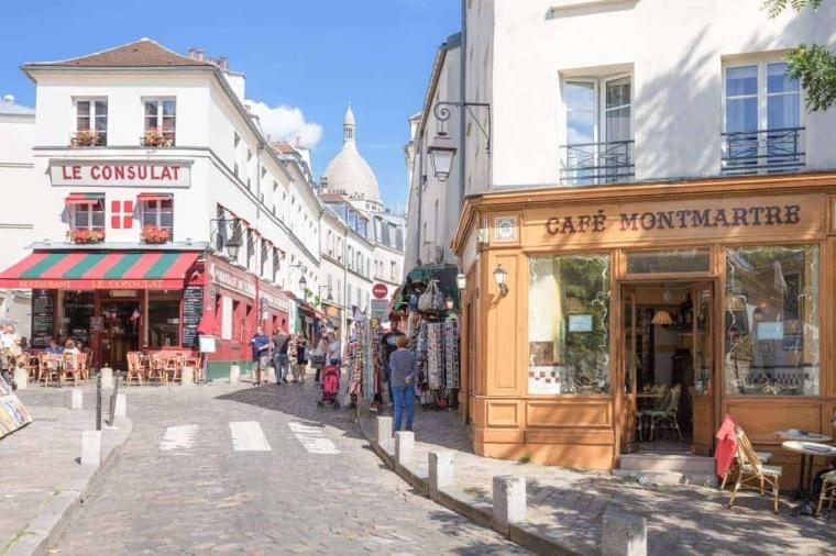 Tetap Terkoneksi Selama Perjalanan di Paris
