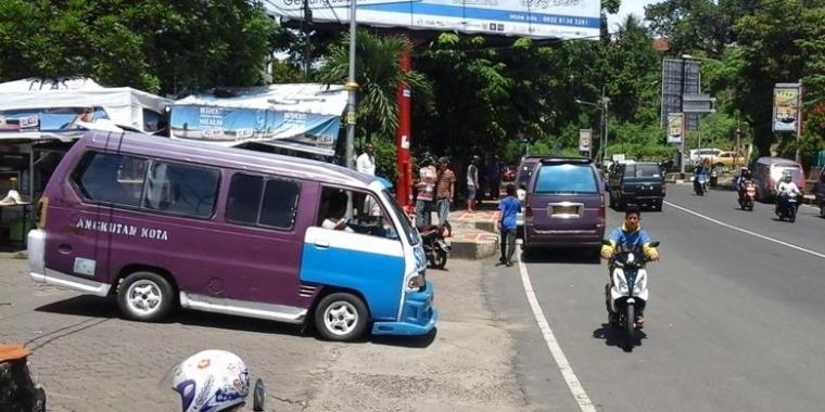 """""""Simple is The Best"""", Solusi untuk Angkot dan Kemacetan"""