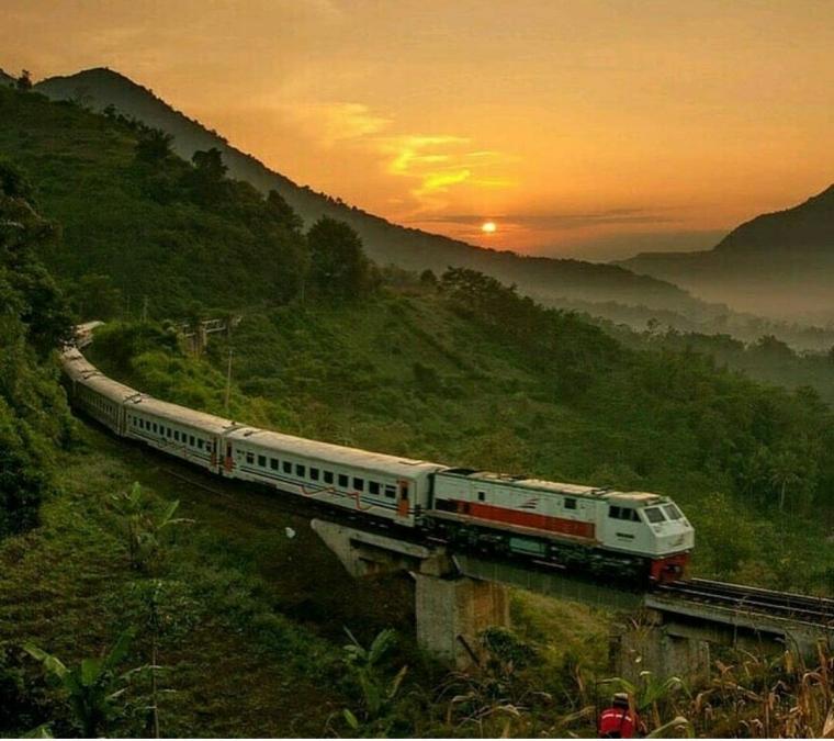 Jawa Barat Maju dengan Reaktivasi Jalur Kereta