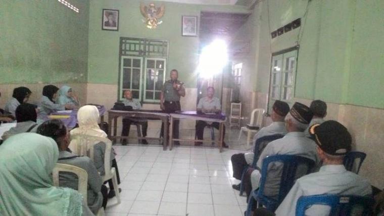 Danramil 0815/14 Dlanggu Bersama Pepabri Gelar Pertemuan Rutin