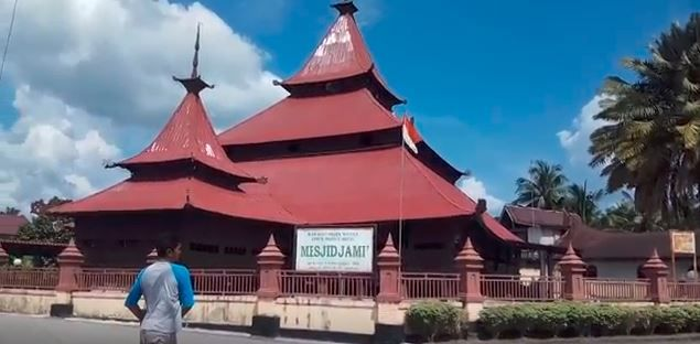 Berwisata Budaya Sekaligus Beribadah ke Masjid Ini Yuk!