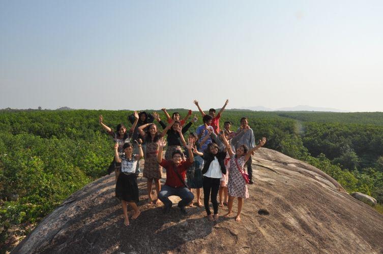 Bosan Berwisata Bahari, Ayo Sambangi Batu Granit di Lampung