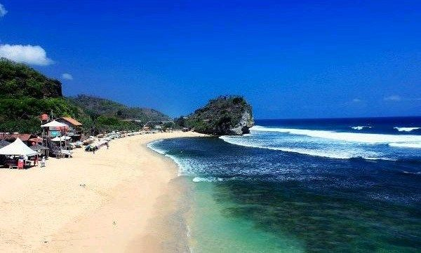 Nekat Traveling ke Pantai Indrayanti Yogyakarta