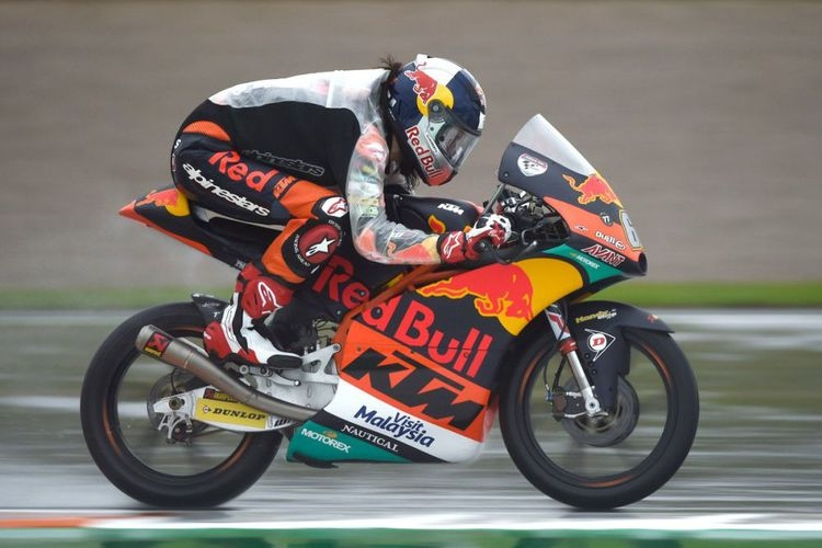 Pebalap 15 Tahun dari Turki Cetak Sejarah Baru di MotoGP Valencia