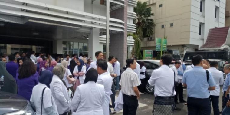 Niatnya Membantu Pasien, Tiga Dokter Spesialis di Pekanbaru Malah Ditahan