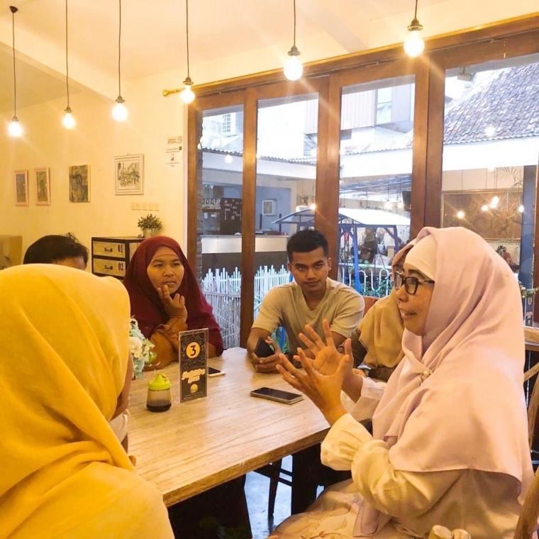 Linda Afriani Undang Anggota Yayasan Yogyakarta Berdaya untuk Curhat