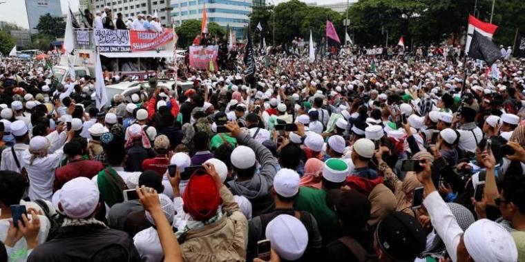 Reuni 212 Cuma Buat Dongkrak Elektabilitas Prabowo-Sandi