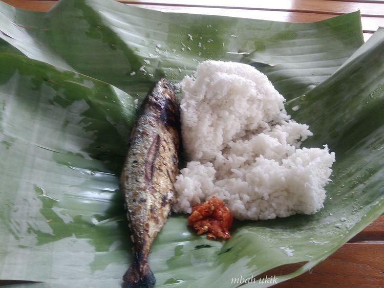 Lezatnya Nasi Krawu Buatan Dewi Bohay