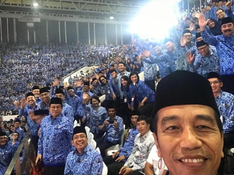 Mengulik Peluang Jokowi Melanjutkan Perjalanannya