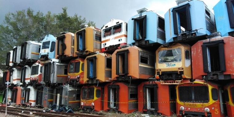 Kuburan Gerbong KRL, Ikon Hits Stasiun Purwakarta