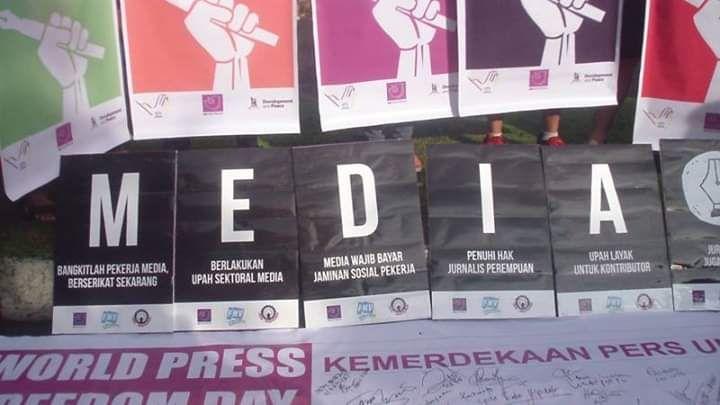 """Menjawab Opini Sesat """"Aksi Bunuh Diri Masal Pers Indonesia"""" Herusubeno Arief"""