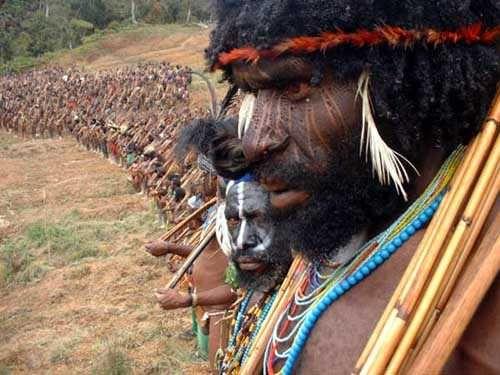 (Jangan Biarkan) Papua Menangis Lagi