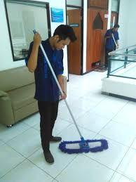 """Cleaning Service"" yang Peduli Orang Lain"