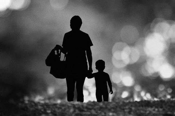 Ciumlah Kening Ibu dan Berdoalah Untuknya