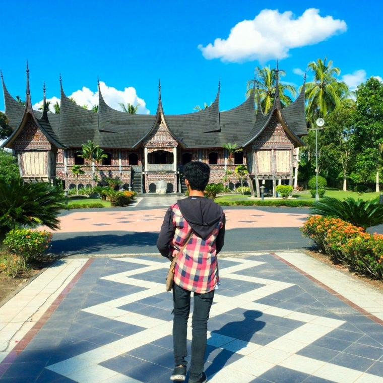 """Happy Weekend"" di Rumah Gadang Sungai Baringin"