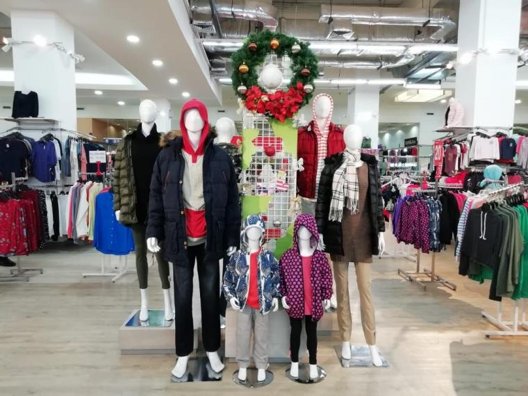Inspirasi Fashion Musim Dingin bagi Wanita Bertubuh Pendek