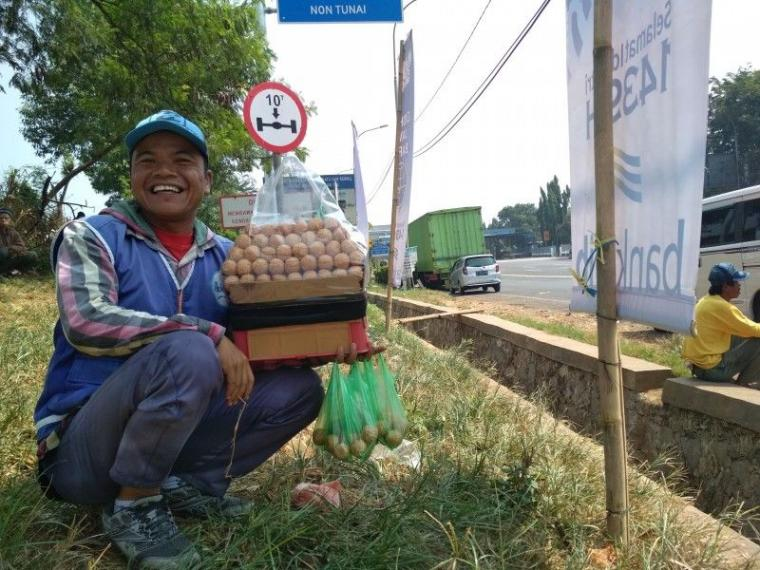 Antara Pedagang Asongan, BPJS dan Birokrat Gembrot