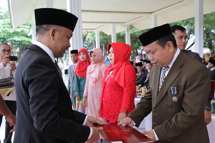 115 ASN Kemenag Bantaeng Terima Satya Lencana Karya Satya