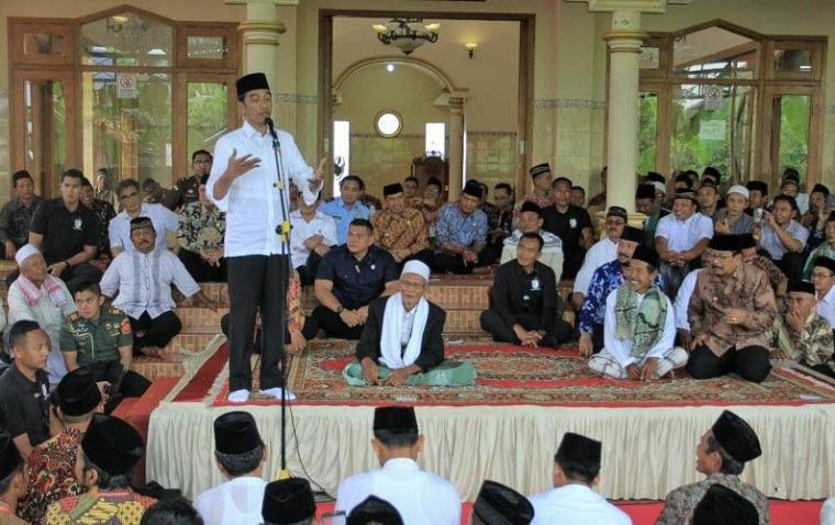 Euforia Sertifikat dan Alasan Jokowi Bagikan Sertifikat Tanah