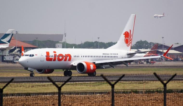 Cinta Kita Berakhir dalam Bagasi, Lion Air