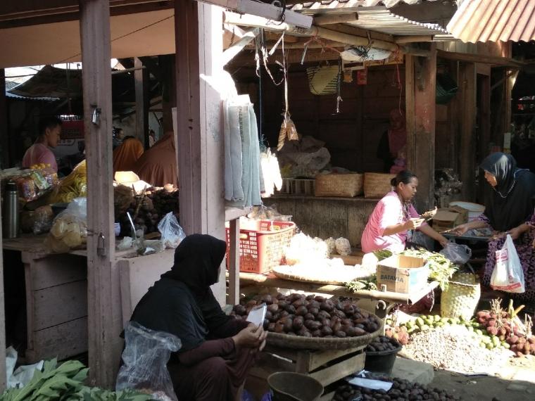 Pasar Tradisional dan Fenomena Desa