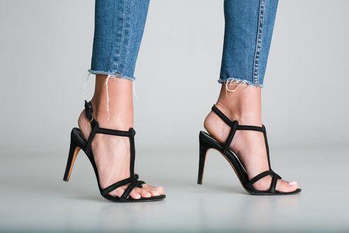 6 Sepatu Ini Bikin Wanita Makin Trendi