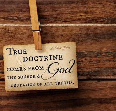 Apa Perbedaan Antara Mengajak Berpikir dengan Mendoktrin?