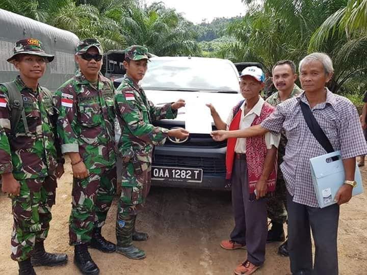 TNI Amankan Lima Warga Malaysia Pencuri Kayu