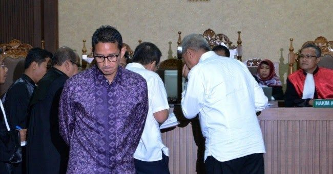 Kala Kebohongan Jadi Perekat Prabowo dan Sandi
