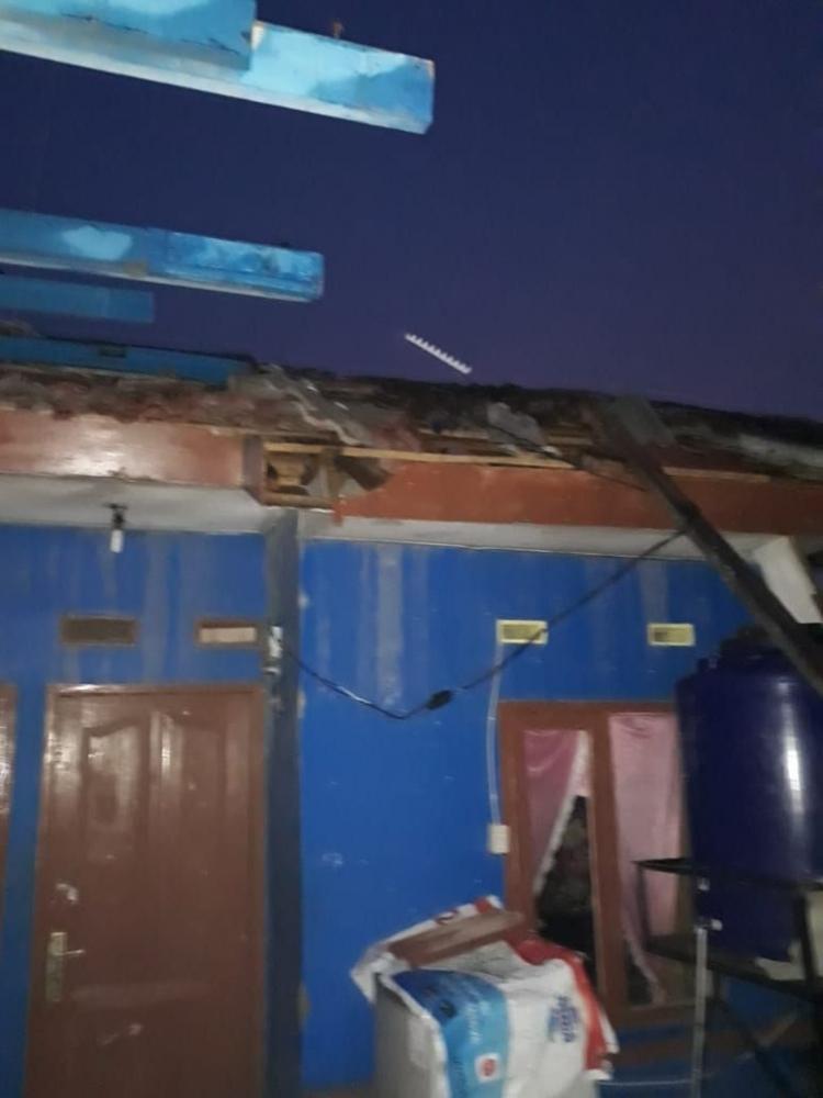 Angin Puting Beliung Hancurkan Perumahan di Rancaekek