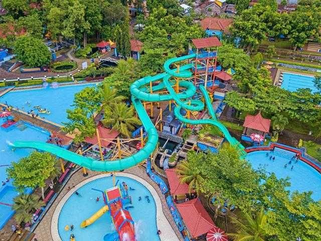 Wisata Sumber Air Alami Owabong Waterpark