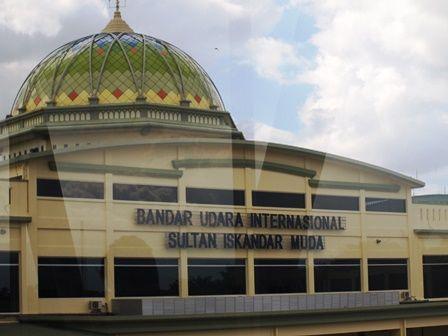 Ironi Warga Aceh Harus Bawa Paspor ke Jakarta