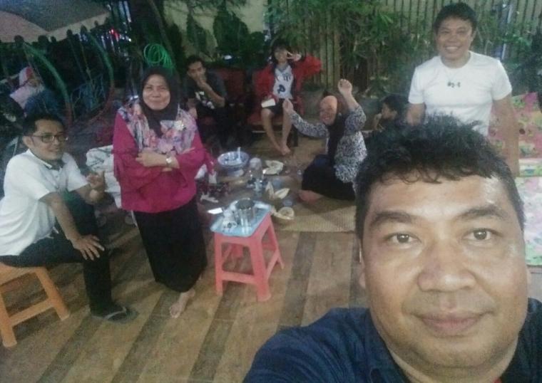 Uji Nyali Makan Durian, Lemang, Es Kelapa Muda dan Kopi Dalam Satu Acara