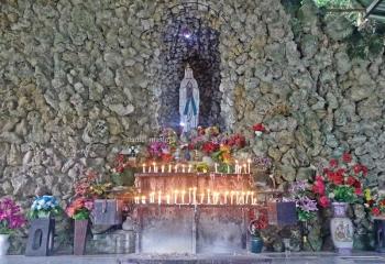 Wisata Religi Ke Gua Maria Bukit Kanada Di Rangkasbitung