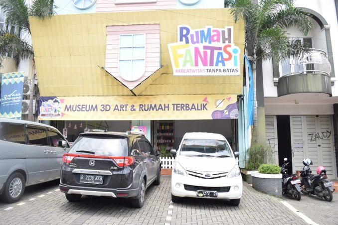 Sensasi Foto 3 Dimensi di Rumah Fantasi Sukabumi