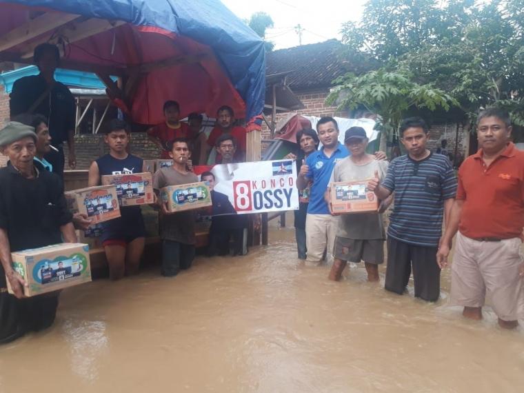 Banjir di 13 Kabupaten di Jatim, Relawan Konco Ossy Bergerak Cepat