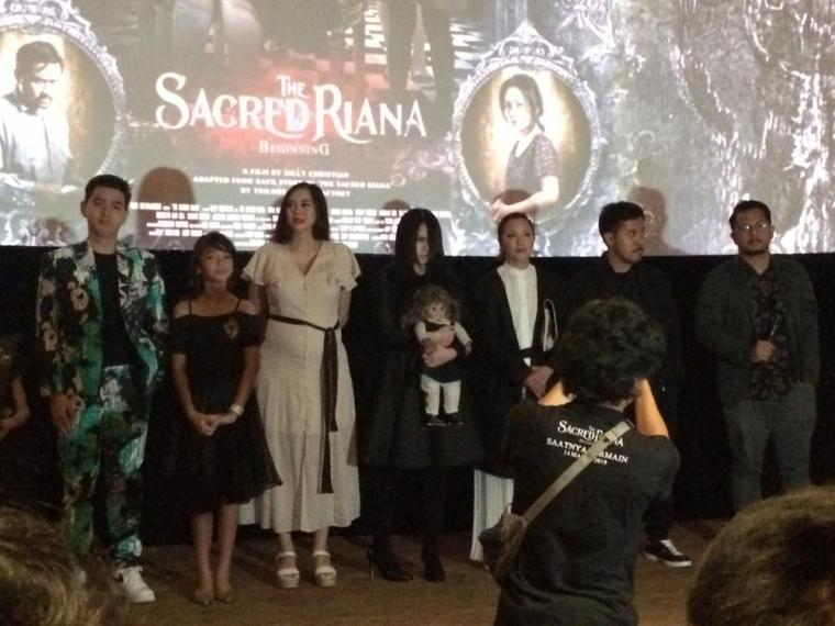 "Ulasan Film ""The Sacred Riana: Beginning"""