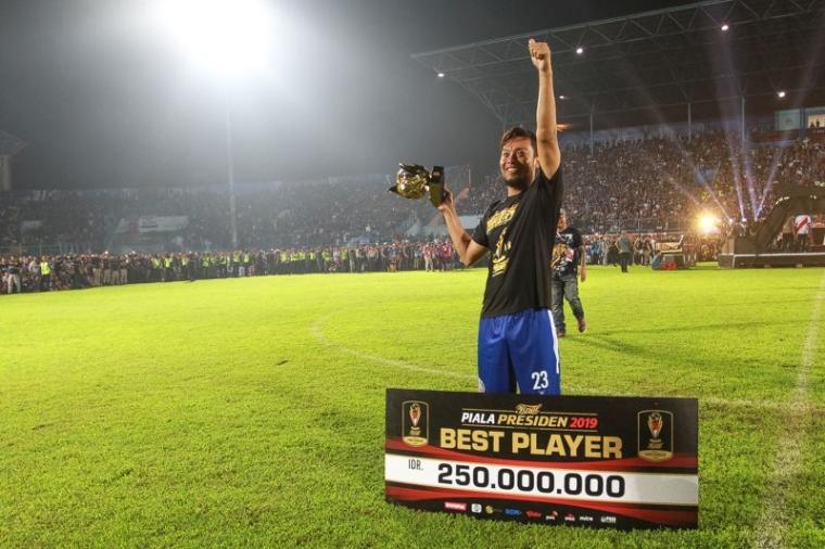 Hamka Hamzah Defender Arema, Best Player Piala Presiden 2019